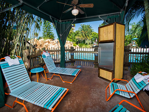 Cutback Cove Pool View Cabanas at Aquatica Orlando